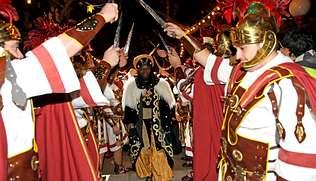 Los Reyes Magos repartirán 400.000 caramelos entre los vilagarcianos